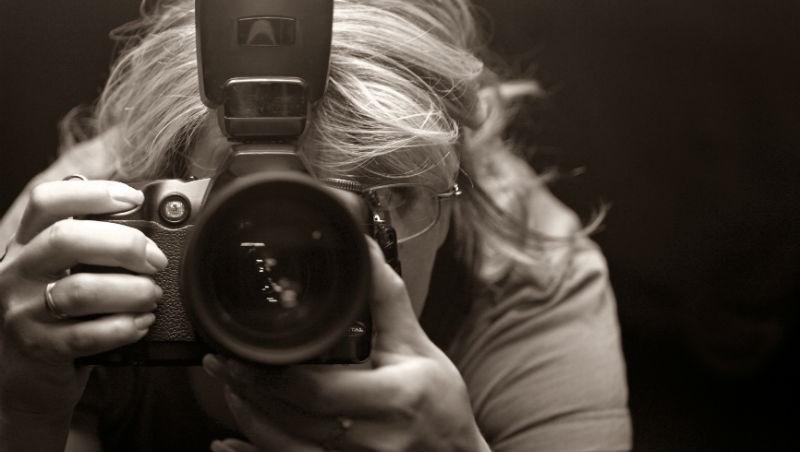 拍下性侵受害者,多年後卻收到一封信「照片毀我一生」…一個美國攝影記者的掙扎