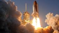 比在地球辦葬禮還便宜!馬斯克幫你辦「太空葬禮」,只要7萬5,讓遺體搭火箭繞行2年,在大氣層燃燒殆盡