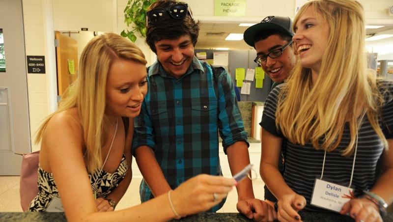 在南極賣比基尼、賣蟑螂壽司...史丹佛學生「出賣」課堂報告時間,竟把5美元變650美元
