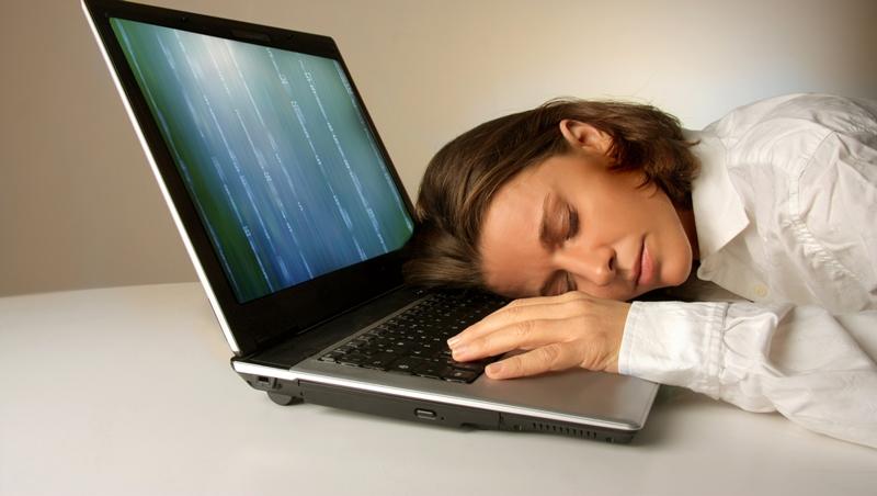 還在每天熬夜拼業績?成為「超級業務」的條件之一:每天睡足8小時