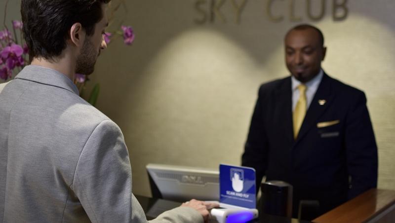 登機只要2秒,連行李托運都搞定!達美航空推「指紋登機」,未來可望代替登機證