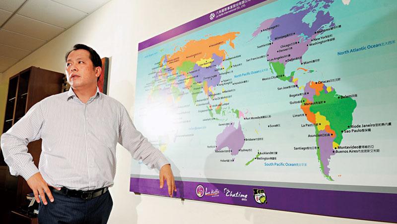 六角國際董事長王耀輝認為台灣平民美食走向國際市場,仍有很大成長空間。