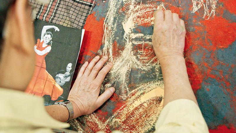 作畫方式隨興,非科班出身的蘇一仲不講究技法與流派,想怎麼畫就怎麼畫。