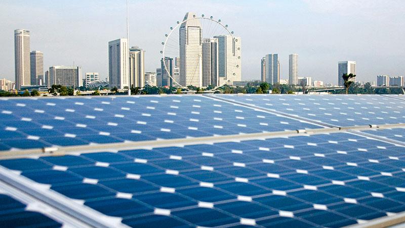 新加坡太陽能發電量過去3 年增3倍,不靠價格補貼推廣再生能源的做法值得借鏡。