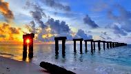 不用出國,台灣就夠美了!堪比英國巨石陣、岸邊彎腰就看到珊瑚...被遺忘的國境:太平島