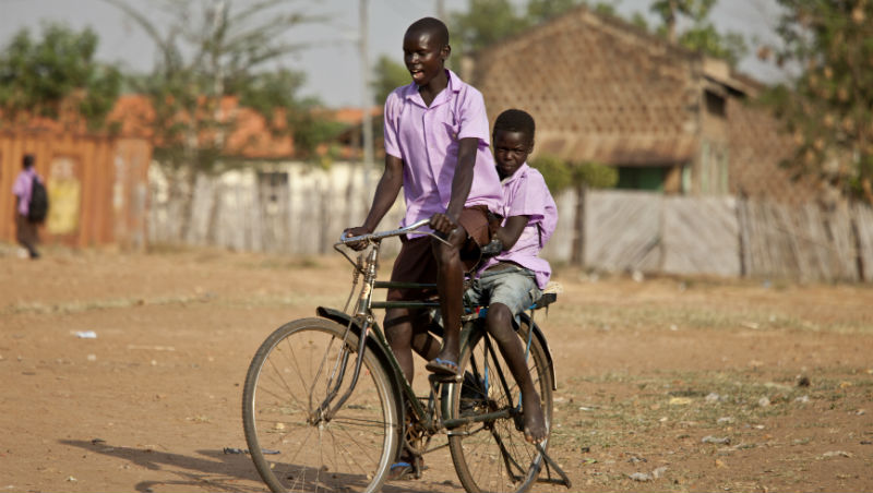 為什麼在西非,一台只有最陽春變速功能的腳踏車,售價竟超過台幣1萬5?