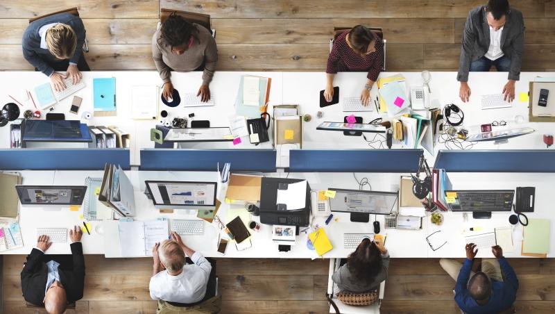 追蹤2千多名科技員工的研究告訴你:辦公室座位要這樣選,可提升自身績效16%