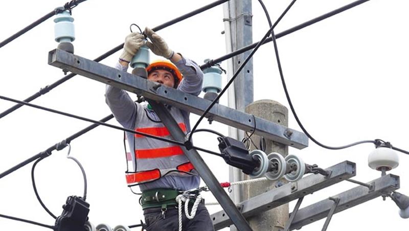 台灣電力結構 天不時、地不利、人不和