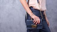 不要再說女生買太多!形象管理專家:女生至少要4個包包才夠用
