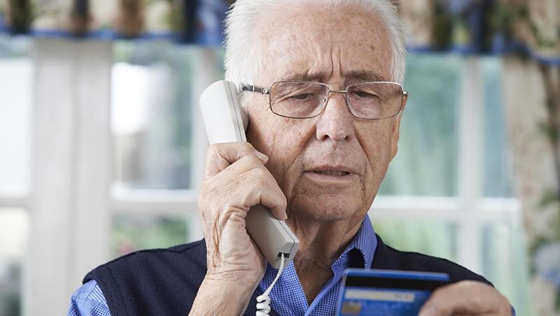 佯裝親友「是我啦!」的電話詐騙很老套,為何仍有人一再受騙?跟詐騙集團學「抓住人心」對話術