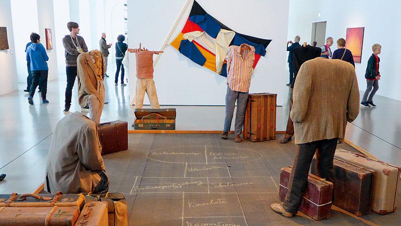 德國卡塞爾第14屆檔案展,參展藝術家反思人口遷徙衝撞普世基本人權的課題。