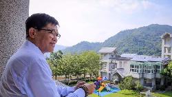 921大地震19周年》一個在美國的建商總經理奔回台,不眠不休監工,重建了50所學校