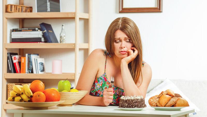 壓力好大就狂吃、吃完又後悔...一個方法,徹底擺脫「暴食療癒法」!