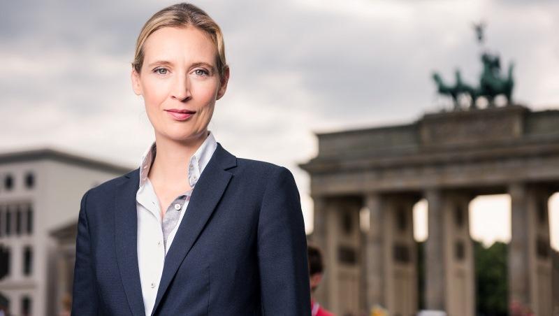 德國大選》害梅克爾慘勝...38歲女同志經濟學家高喊「難民滾回去」,率領「新納粹」再起