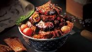 牛小排堆成「肉山」...中秋節訂不到燒烤店?換吃這7間網路大推的「燒肉丼」