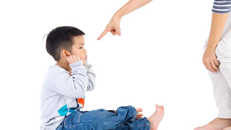 慈母多敗兒?其實更多媽寶是「虎媽」養出來的!3種誇張媽媽典型,讓失控的愛變「礙」