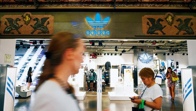 Nike近三年銷售成長率已至少連續十季被阿迪達斯超越。