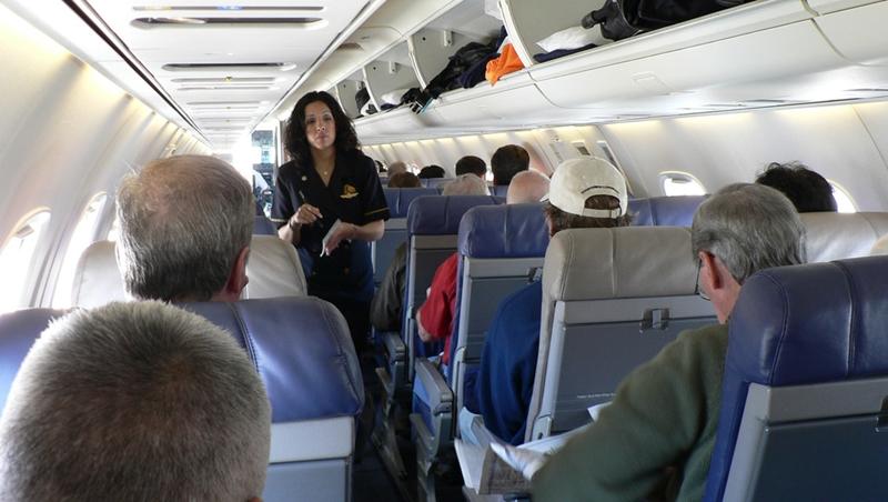 搭飛機被問想吃什麼,拒絕空服員時這樣說,比NO更不失禮