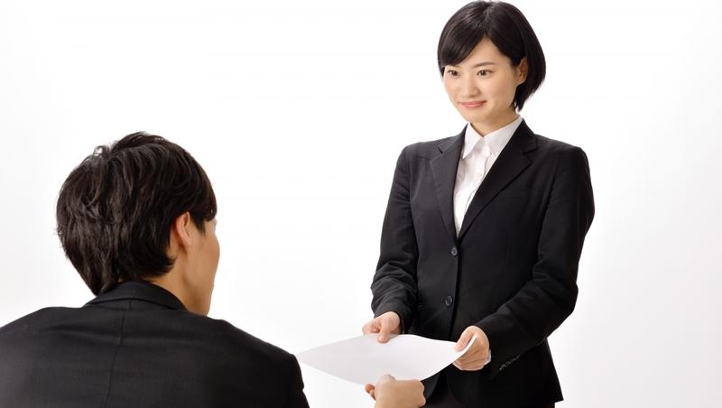 以為能領到2.5萬人民幣,最後竟是2.5萬台幣....一個台灣女生在中國工作的真實告白