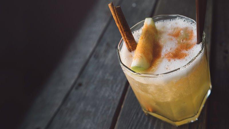 看完《金牌特務2》就買了波本威士忌...達人教你調「奶油糖風味威士忌」,冬天熱熱喝更溫暖 - 商業周刊