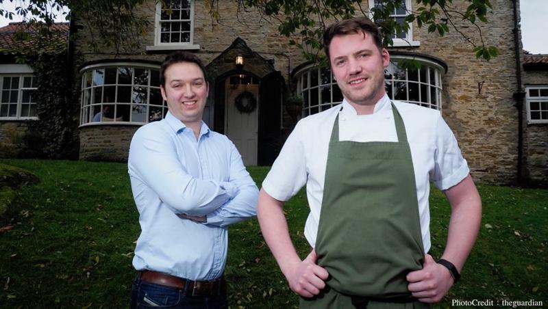 室內上菜、室外採收食材,這對英國兄弟完全沒烹飪經驗,一出手就開出「全世界最好的餐廳」!
