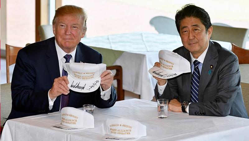 川普亞洲行》高爾夫球、頂級牛排……安倍百般討好拉攏川普 南韓相形見絀只能吃味