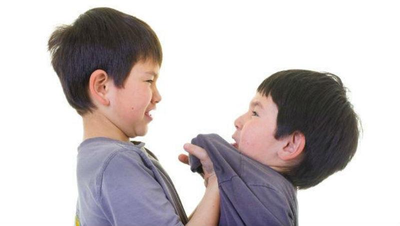 為何某些弱者的態度會一秒激怒別人?學會控制這種心態,翻轉人際氛圍!