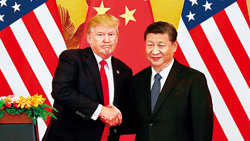 當川普「蓋高牆」的同時,習近平卻是忙著加強接軌世界,《紐約時報》評論「川普將全球領導權讓給中國。」