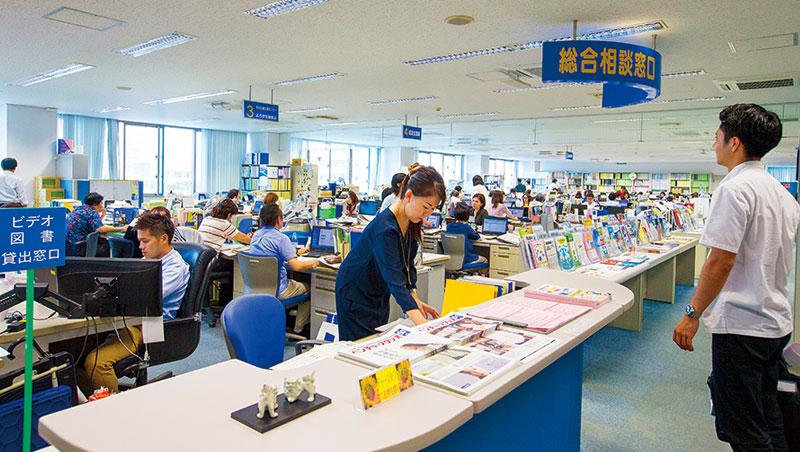 為了對外招商、輔導企業發展,沖繩縣商工勞動部旗下還有個百人部門「沖繩縣產業振興公社」,負責在國內外招商引資。