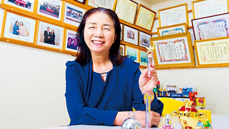 新垣旬子,台沖政商人脈深厚,台灣官員赴沖訪問,她是必訪「景點」之一。