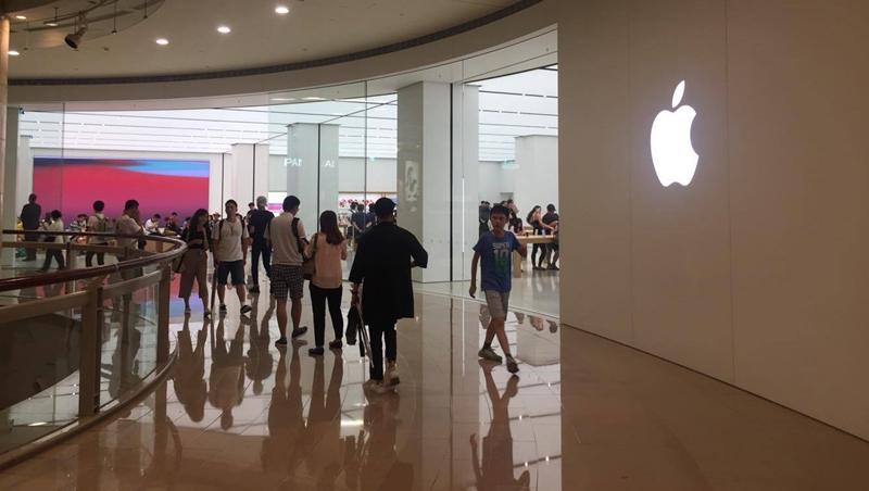 降速惹怒果粉 蘋果2款手機電池大降價