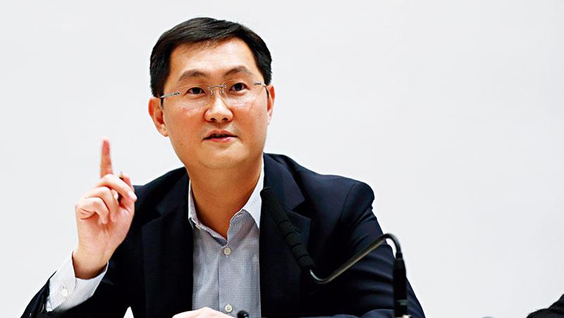 近兩年,隨著騰訊市值超過阿里巴巴,以及中國網路人口紅利漸消失,雙馬競爭早已跨出電商和社群,在O2O、新零售等領域短兵相接。