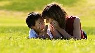 一天只睡6小時、考不好就回家哭訴...孩子在乎的不是成績,是「爸媽的愛」