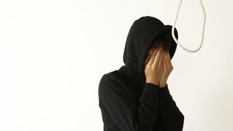嚷著想死的人只是想得到注意、自殺的人就是自私...美諮商博士:其實我們都誤解「自殺」