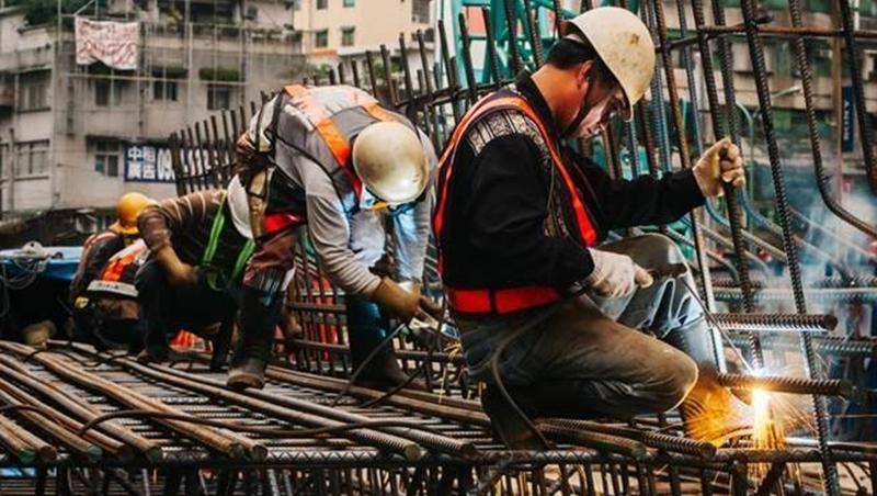 台灣薪資倒退16年!學者揭最大禍首…