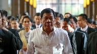 親手執行鞭刑、假扮計程車司機聽庶民心聲...暴君還是救世主?菲律賓總統杜特蒂的另一面
