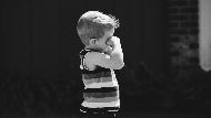 不如意就亂丟東西...小孩愛生氣怎麼辦?兒童職能治療師:讓孩子不要生氣的第一步就是讓他生氣