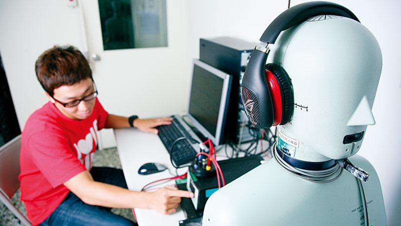 聲學元件、喇叭驅動IC,以及能精準收音的麥克風陣列業者,因智慧音箱起飛而商機大爆發。