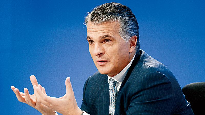 瑞銀執行長安思杰把瑞銀打造成財富管理公司,今年2月預計還要把兩個財富管理事業部合而為一。