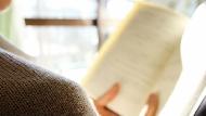 真的不必讀完一本書!每年看一千多本書...日本第一書評家教你:閱讀商業書的3個訣竅