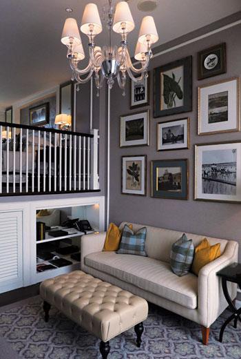 挑高的房間做出簡單樓中樓格局,讓空間利用上顯得豐富。