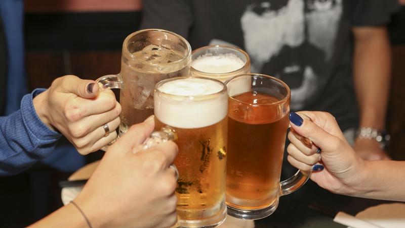 年終聚餐旺季,煩惱該吃什麼?龍眼蜜啤酒、招牌燒鍋鴨、老皮嫩肉...網友保證好吃的4家餐廳