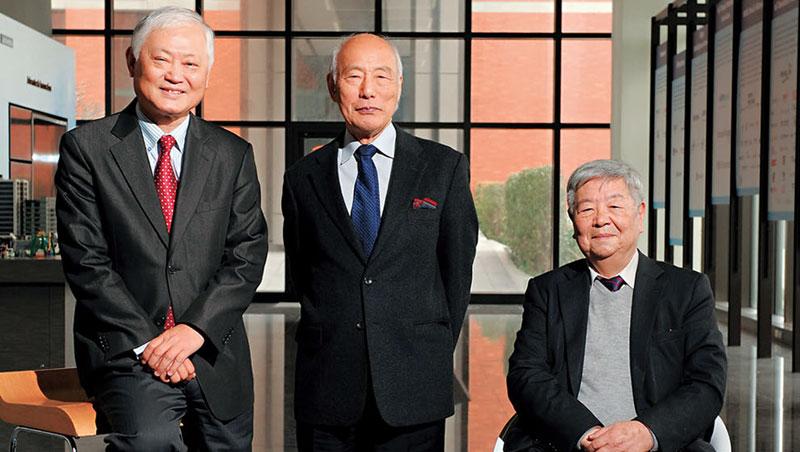 工業電腦龍頭研華執行董事 何春盛、日本長壽企業研究第一人 後藤俊夫,與台灣管理學教父 許士軍(圖左至右)