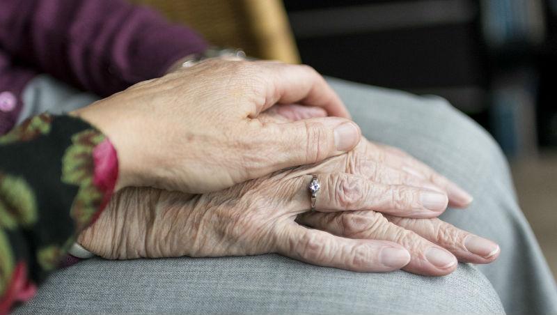 「只要是正常的父母,都無法好好對孩子說出想說的話...」80歲母親的人生智慧