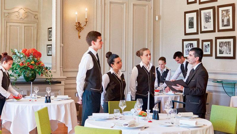 保羅•包庫斯廚藝學校的實習餐廳,是外場課程的主要教室,外場經理會親自教學。