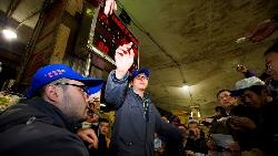 一年200天都在搏鬥!半夜12點上工...這個男人,一手掌握大台北菜價