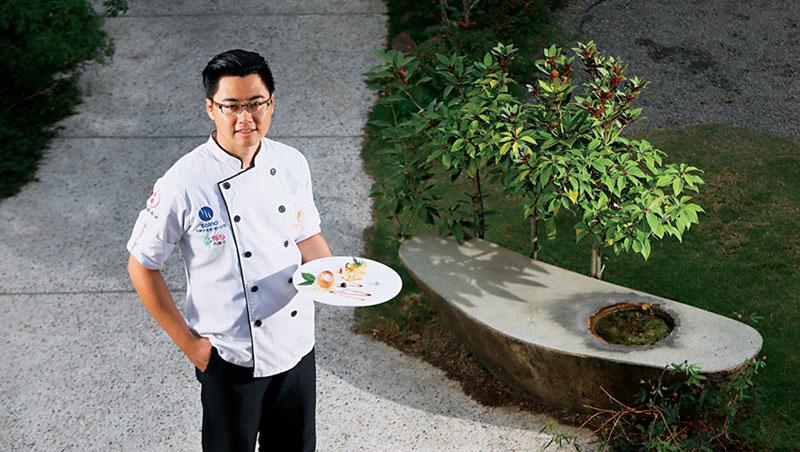 鄭乃綱創業開店前,歷練過中西餐廳內外場不同工作,經營觀念因而和多數台菜師傅不同。