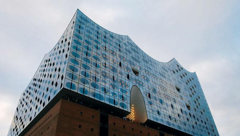 易北愛樂廳是漢堡最受矚目的新地標,新舊交匯的外觀相當吸睛。