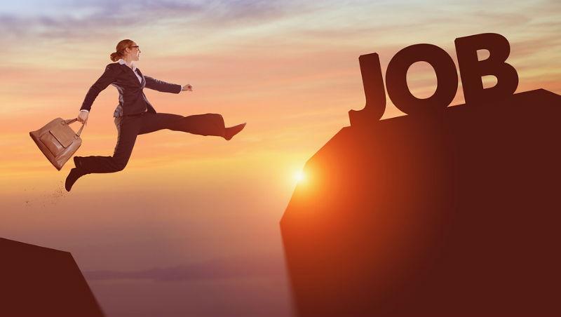 還在執著「專注做好一件事」?離職一年後領悟:身兼多職,我才找回工作的樂趣