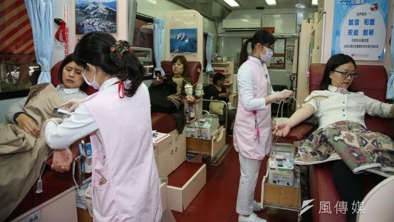 台灣捐血率全球第一!藍領階層最「熱血」,年輕人減少...「國血國用」無以為繼